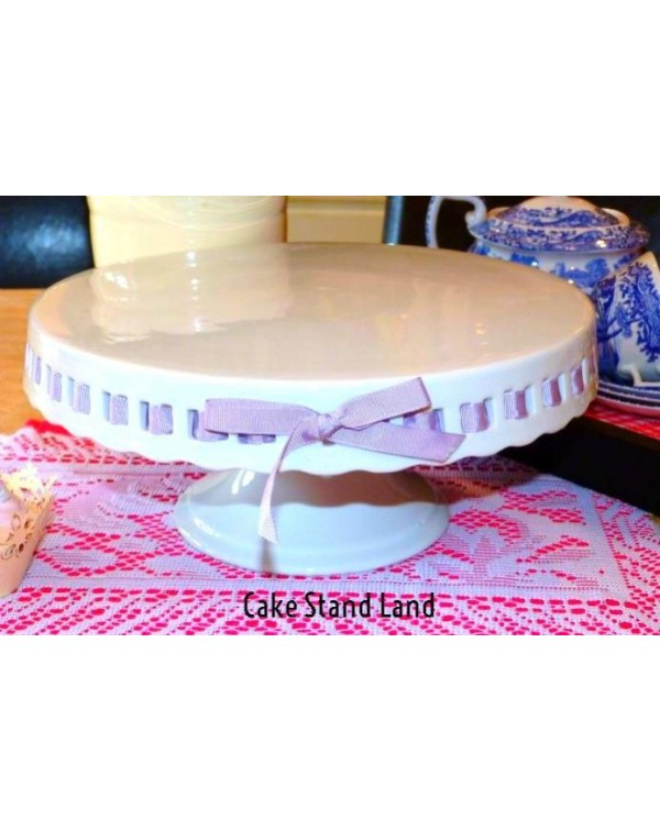 (OUT OF STOCK) SMALL PEDESTAL CAKE STAND WITH RIBB...